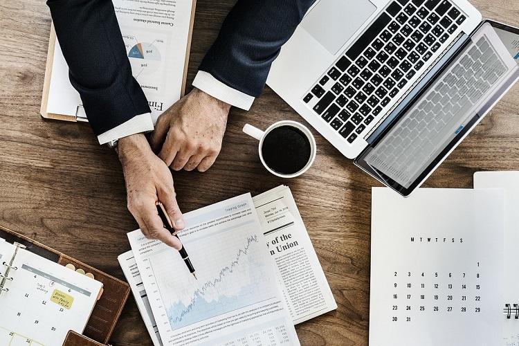 Register as non-individual RIA if clientele exceeds 150 : SEBI